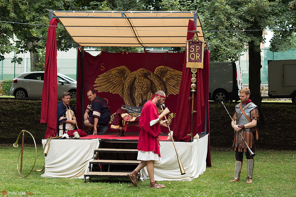 In front of the imperial tent, the musicians.